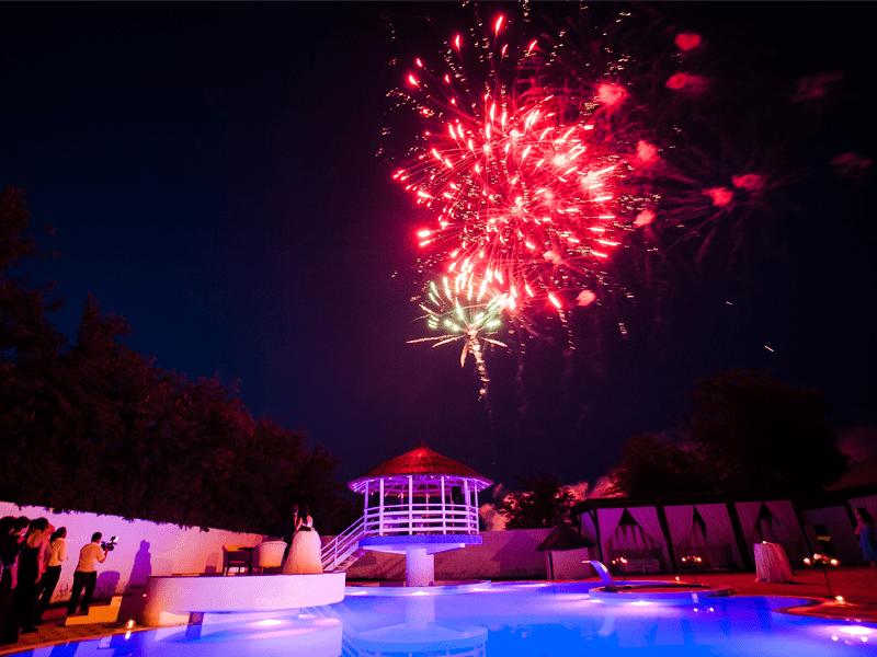 3 salon nunta foc artificii piscina
